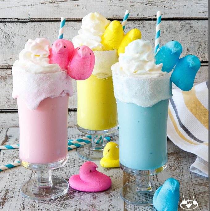 With just a few ingredients, these super quick and easy Toasted Marshmallow Easter Peeps Milkshakes are totally a kid-friendly Easter dessert!
