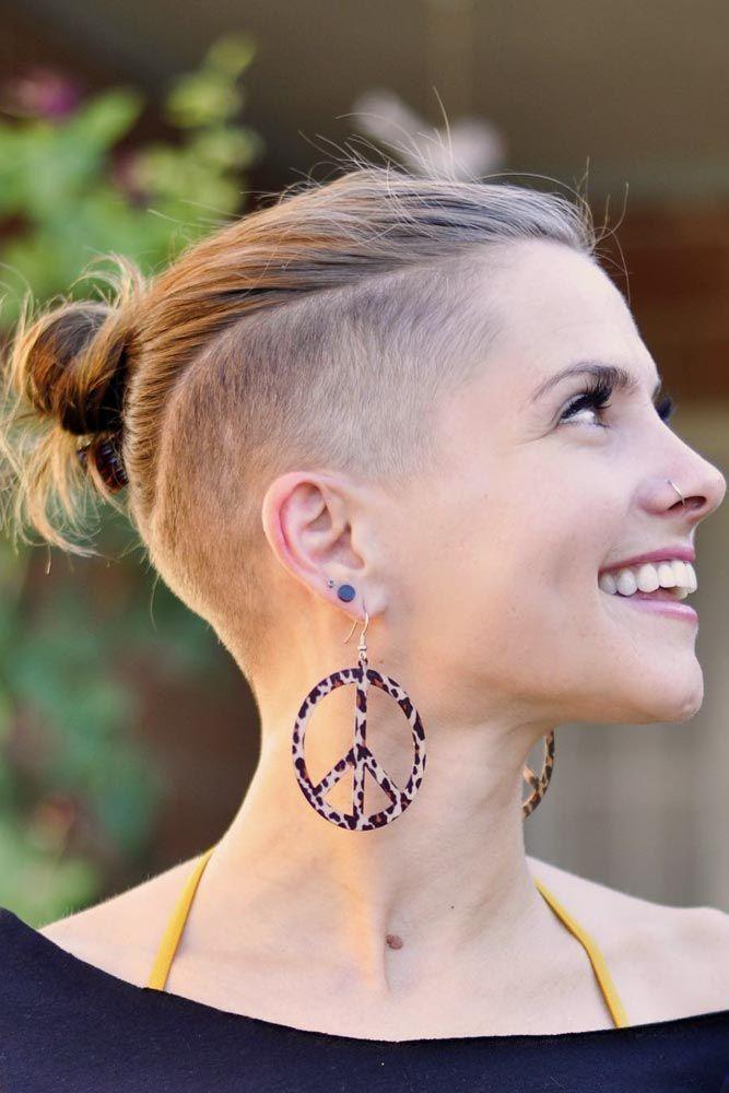 24 Süße & rebellische Frisuren mit halbrasiertem Kopf für