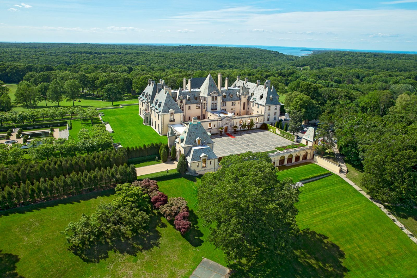 Tour Taylor Swift S Filming Location For Blank Space Oheka Castle Mansion Tour Castle