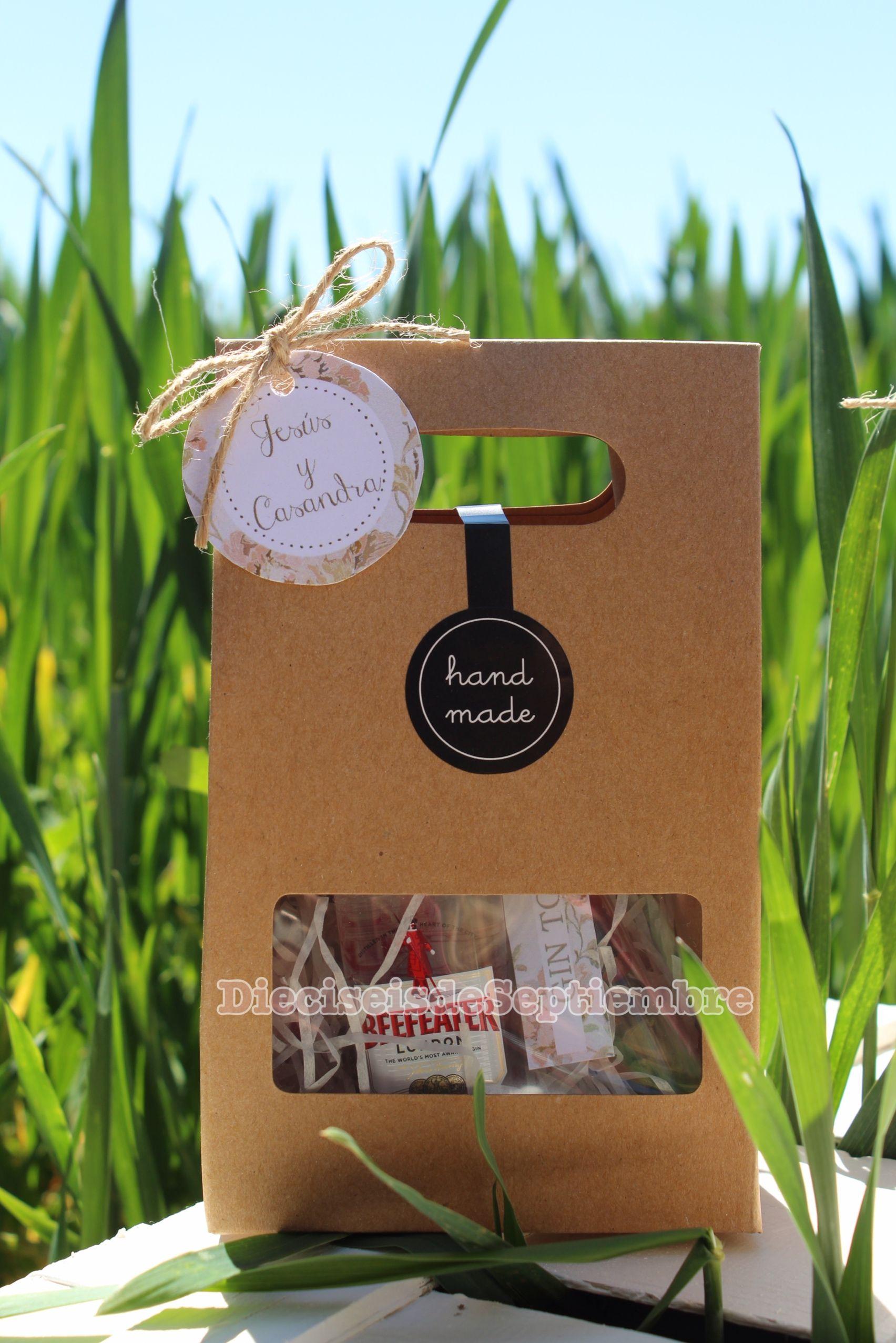 Ideas de regalos de boda. Kit de Gin Tonic que incluye mini botella ...