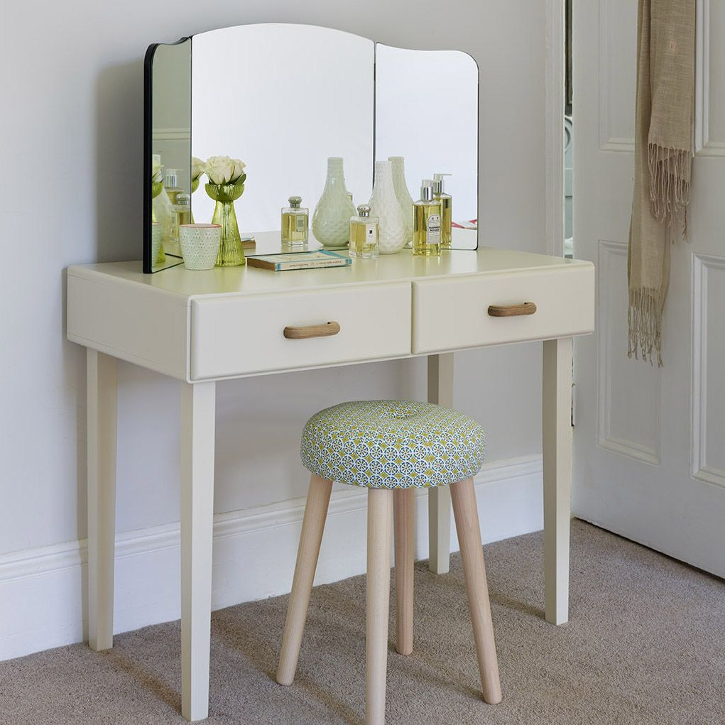 Retro style dressing table dressing tablesvanities and decor retro style dressing table geotapseo Gallery