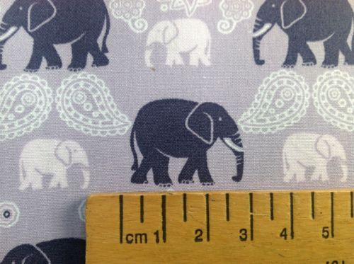 ELEPHANT-AND-PAISLEY-100-COTTON-110cms-wide-CRAFT-DRESS-FABRIC-TABLECLOTH