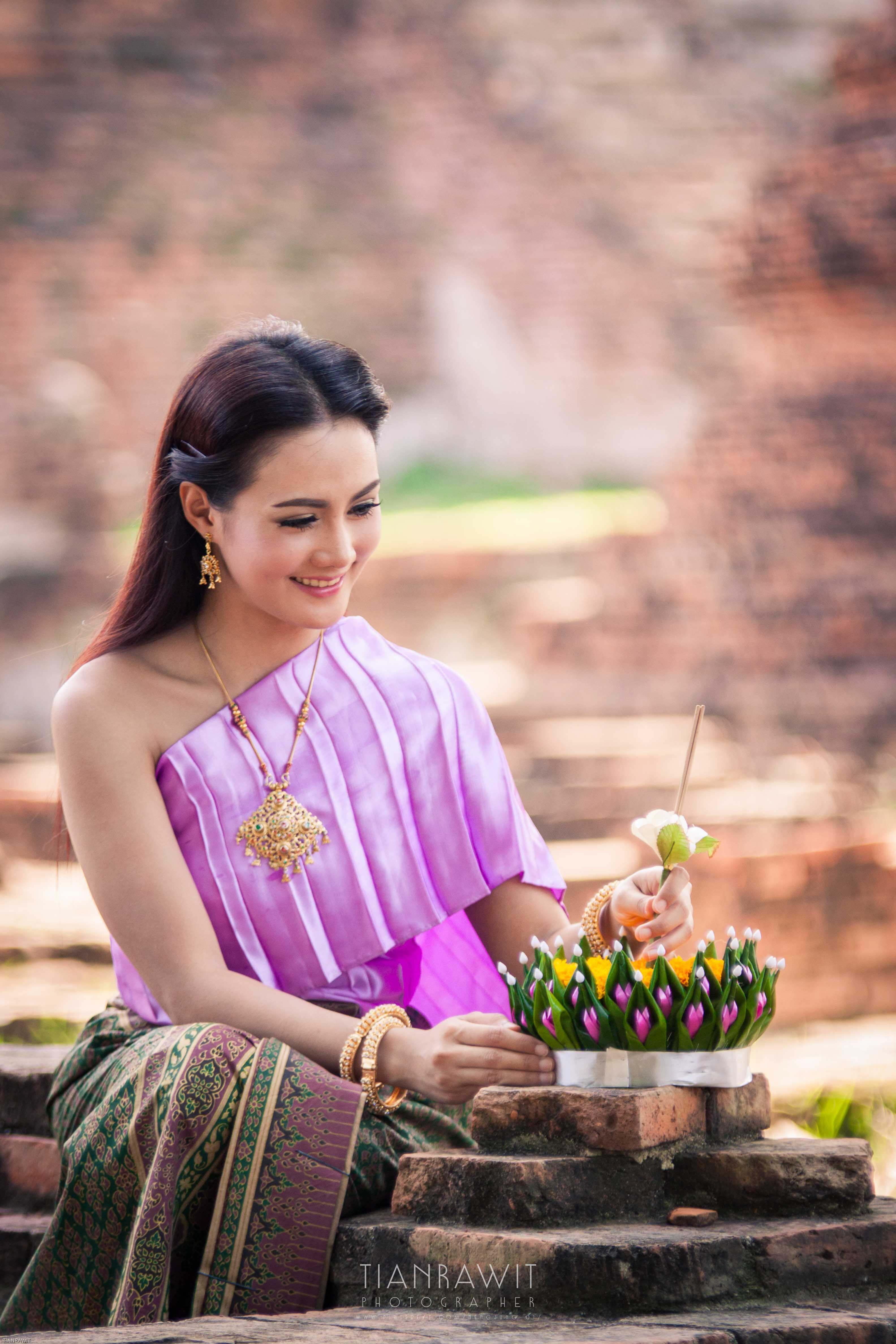 ประเพณีไทย | MODELOS | Pinterest | Vestidos tradicionales ...