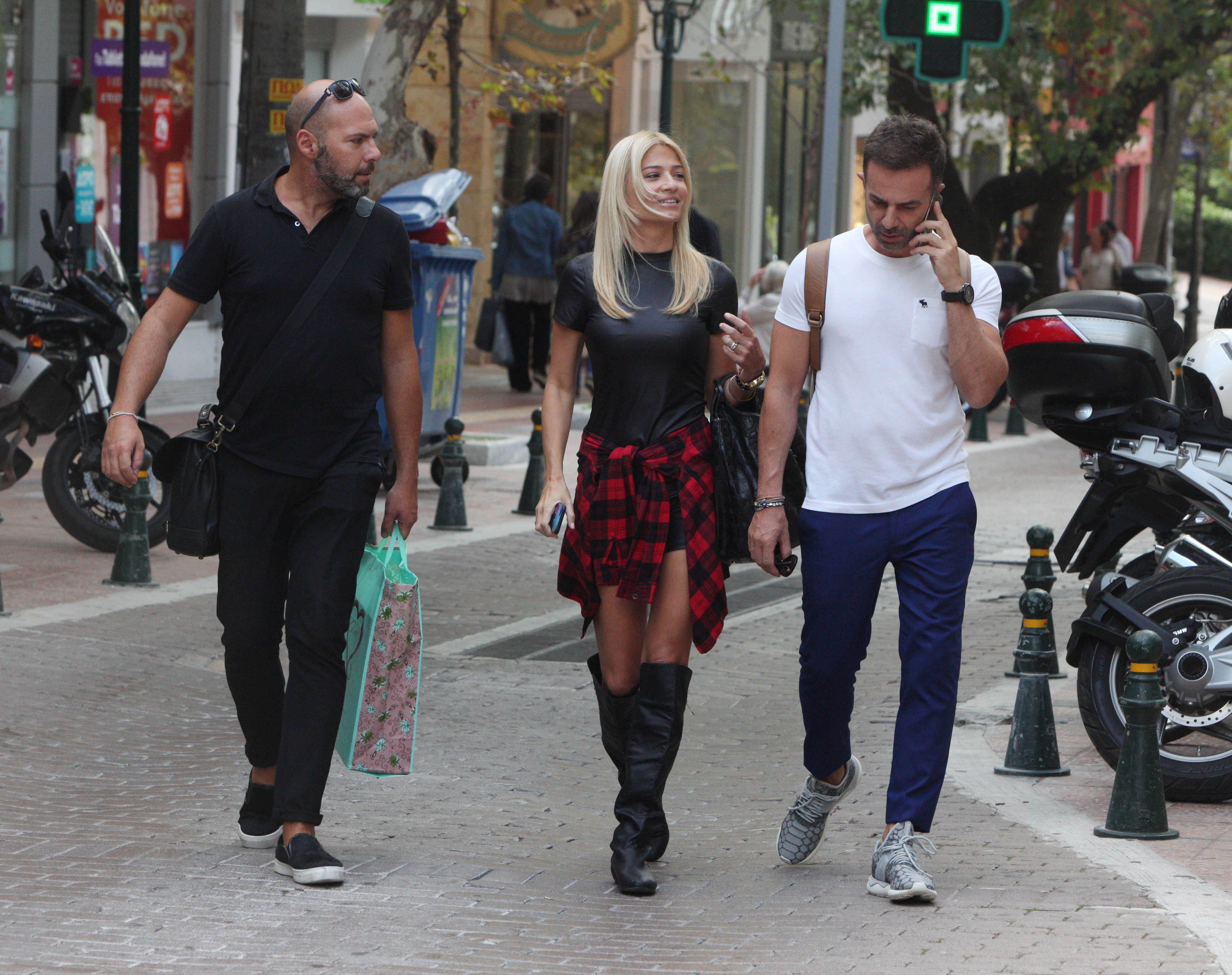 6 + 1 Ελληνίδες celebrities που δοκίμασαν τα hot fashion trends της σεζόν -  JoyTV e26f373479d