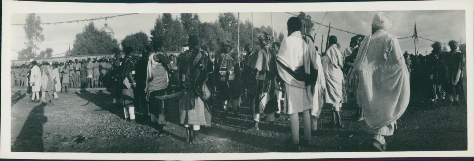 ethiopie les guerriers thiopiens accueillent l 39 empereur les ann es 1900 1940 actualit s. Black Bedroom Furniture Sets. Home Design Ideas