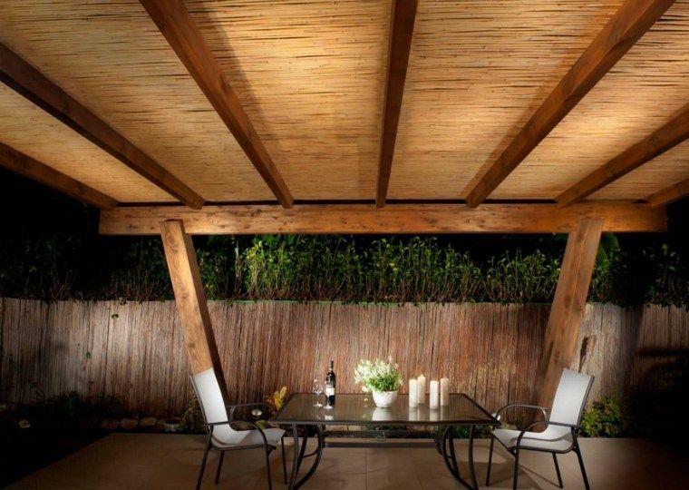 Canisse pergola 35 id es pour un ombrage naturel pour - Canisse en bambou ...