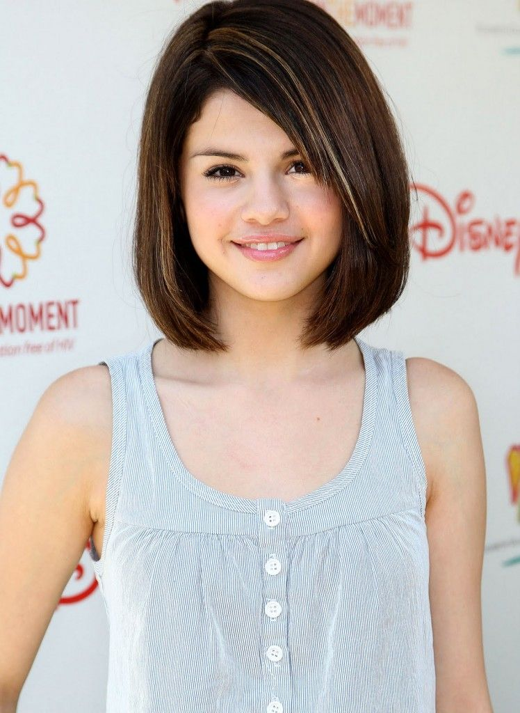 I Think Selena Gomez Hairstyle Is Really Stylish And Maybe Could Be Used In Shcool Right Hair Styles Little Girl Haircuts Girl Haircuts