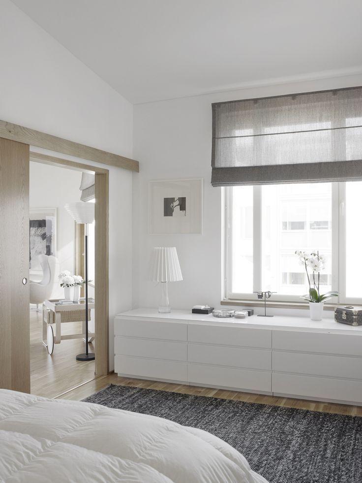 Muebles bajos para no perder la utilidad de las paredes for Muebles bajos dormitorio para adultos