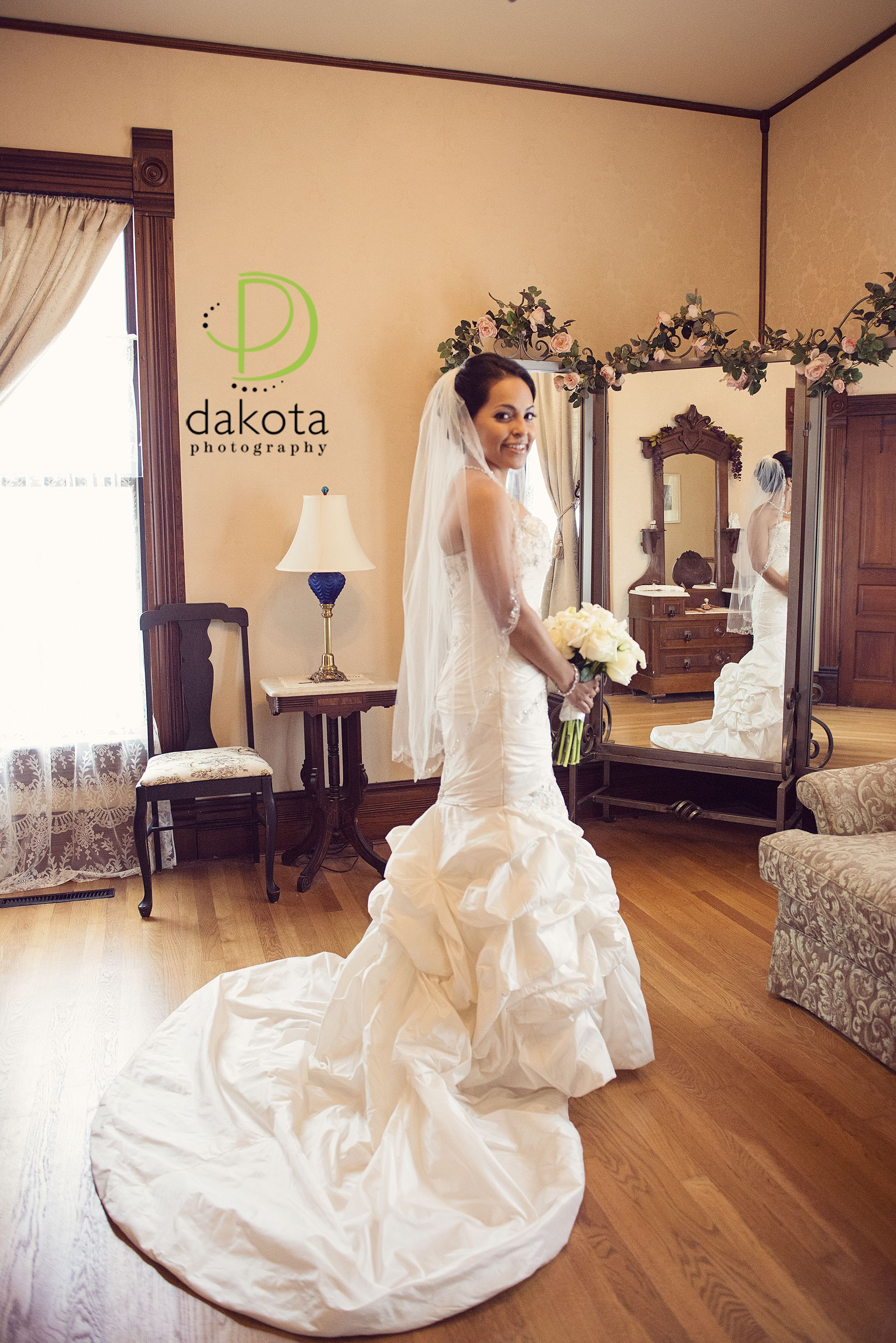 Frisco Heritage Center - Bridals, bride, Frisco Heritage Center, Bridal pictures, bridals at Frisco Heritage Center