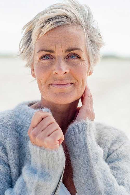 Beste Kurzhaarschnitte für Frauen über 50 - Einfache Frisur