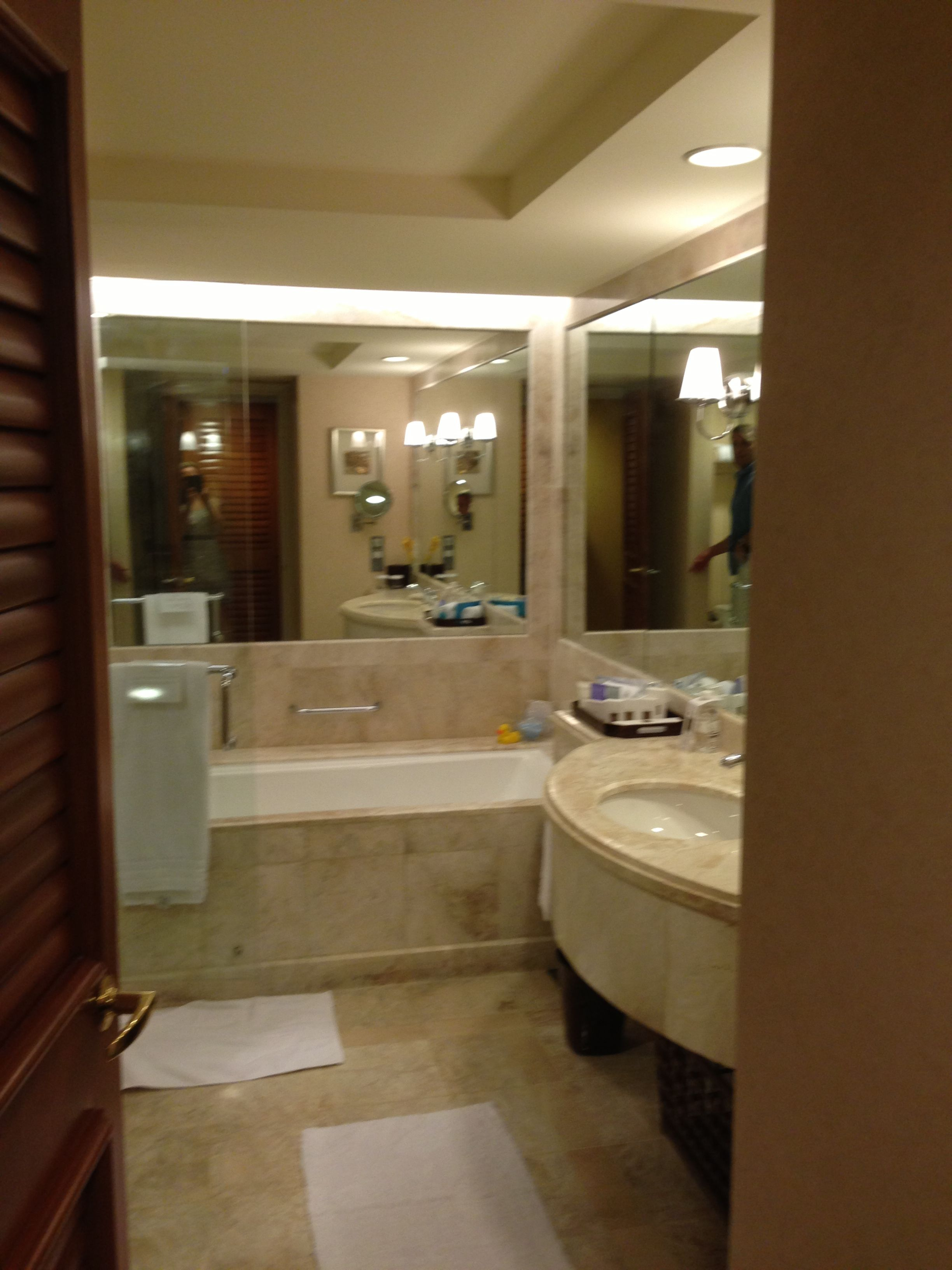 Executive Room Bathroom at the Conrad Singapore Hotel