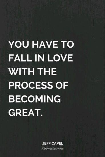 No fim tudo resume-se ao facto de gostares ou não do que estás a fazer. Podes suportar durante uns tempos, até ganhar algum dinheiro com isso, mas nunca vais ser tão bem sucedido como poderias ser. ;)   Quando levamos avante projetos que pretendem revolucionar as nossas vidas, muita coisa acontece. Muitas pessoas falam, muitos comentam, muitos dizem que não vais conseguir, vai chegar a uma altura que vais bater no fundo e é aí que a paixão é decisiva.   É quando chegares ao fundo, quando as…