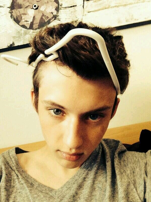 hello troye but did you get your head stuck in a clothes hanger