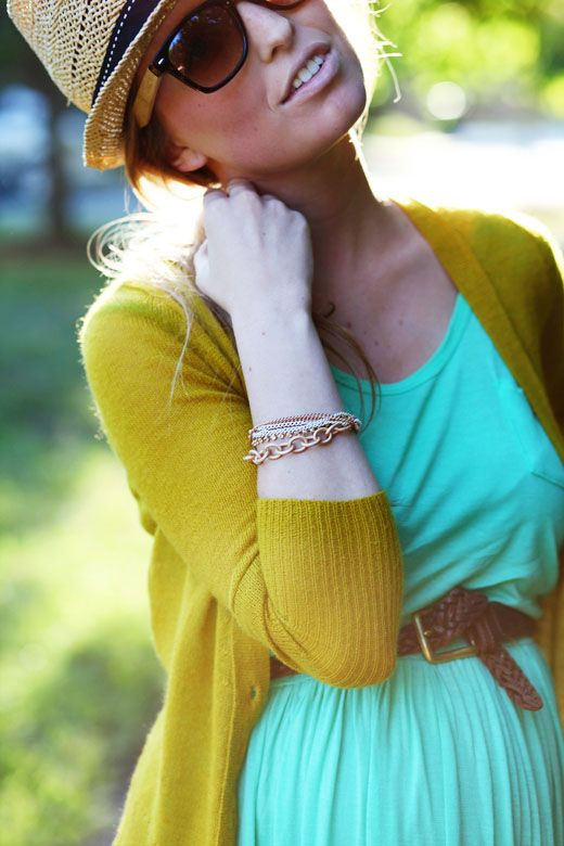 adorable. love the cardigan. I have a dress and cardigan in these colors but never thought to put them together. Thank you Pinterest!