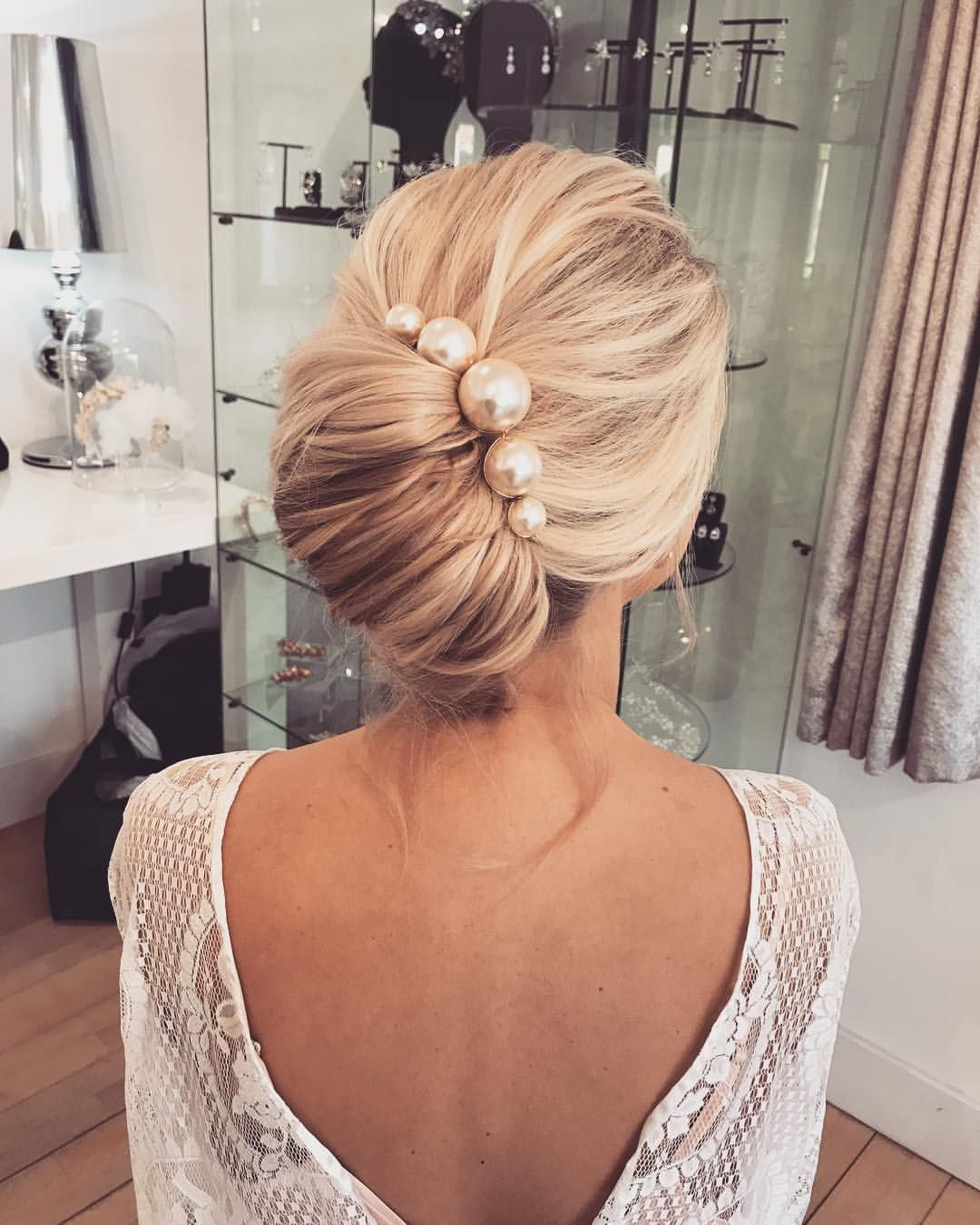 Wedding Hairstyles With Pearls