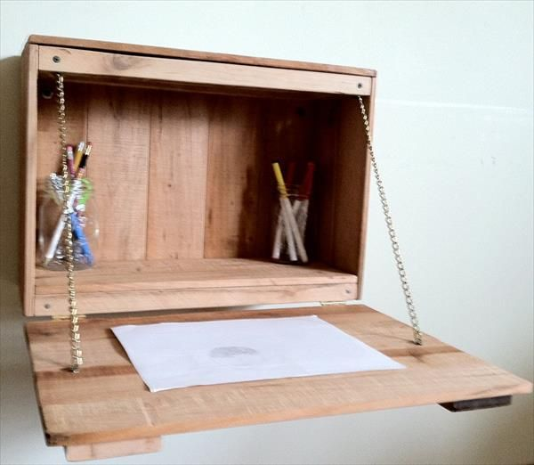diy pallet fold down study desk for kids pallet furniture diy remodel pinterest pallet. Black Bedroom Furniture Sets. Home Design Ideas