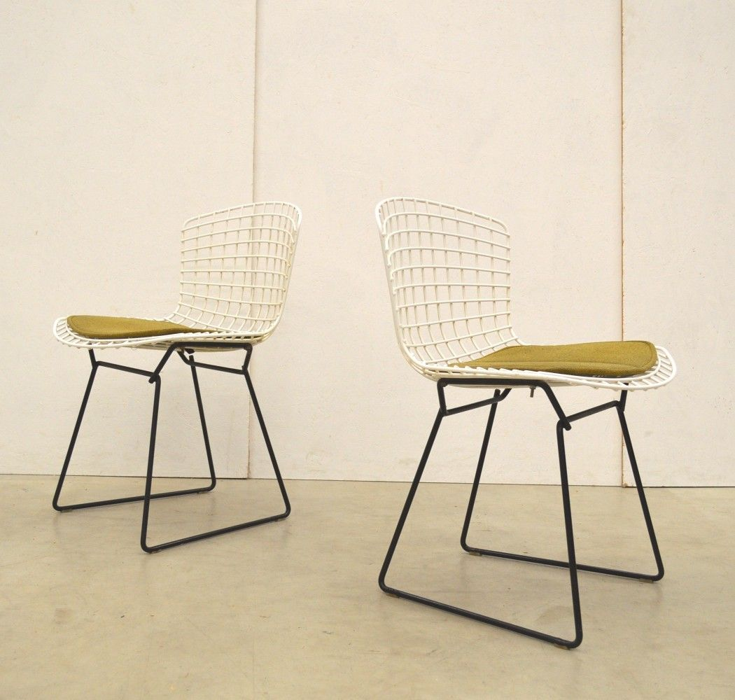 For Sale Pair Of Wire Dinner Chairs By Harry Bertoia For Knoll 1960s Wire Dining Chairs Chair Harry Bertoia