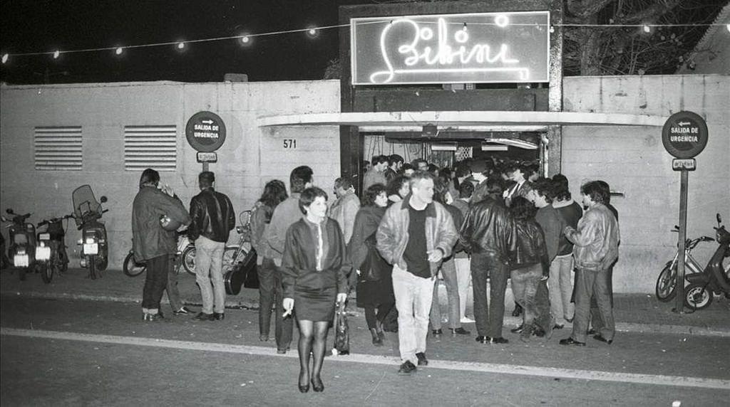 """Antigua sala de fiestas Bikini, estaba situada en la finca que ocupa actualmente """"L'Illa Diagonal"""". Enero de 1990. Joan Cortadellas"""