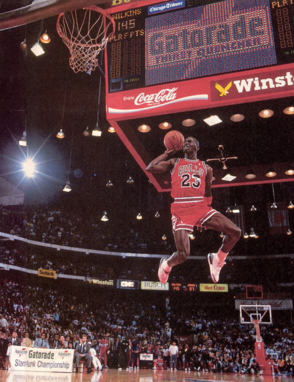 Mate De Jordan Desde El Tiro Libre Mj Air Jordan Iii 1988 Dunk Contest Free Throw Line 2 Mj Pinterest