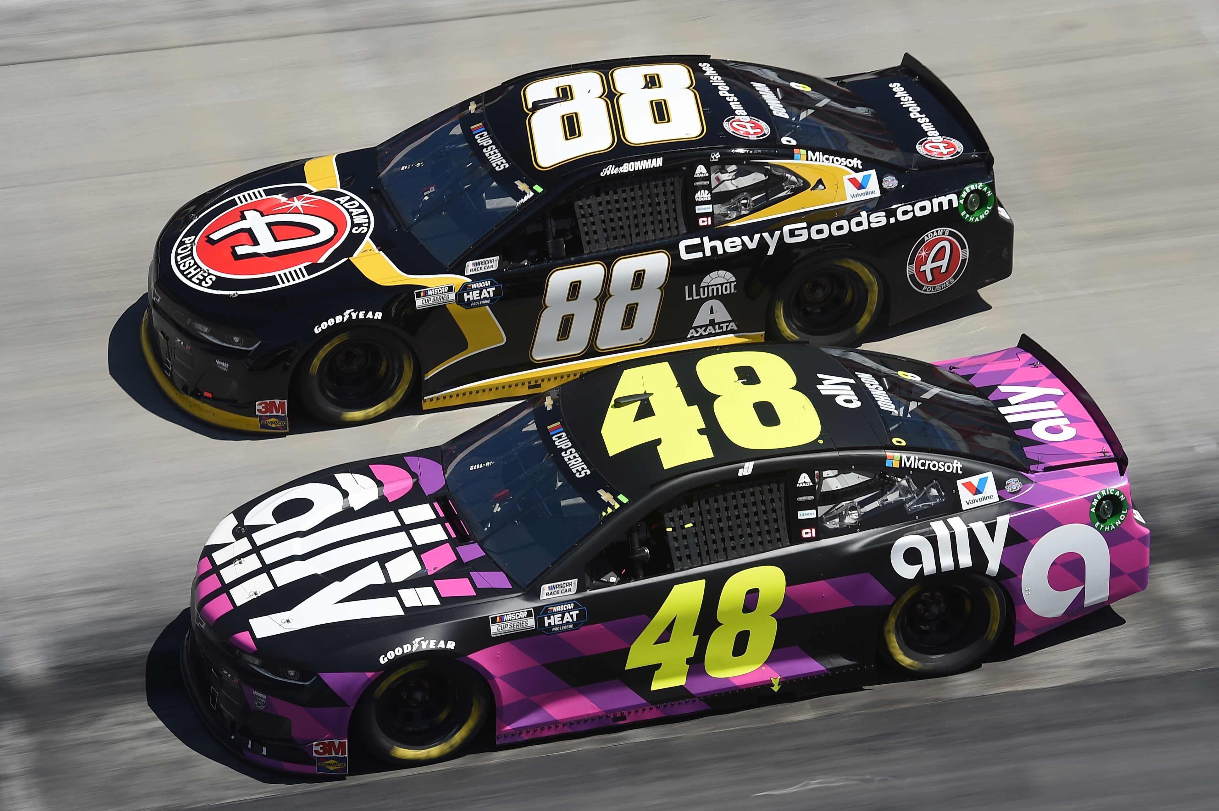 Chevrolet Advantage With The New Nascar Rules Package Denny Hamlin Says Yes Jimmie Johnson Says They Re Now On Par Racing News Nascar Rules Nascar Racing News