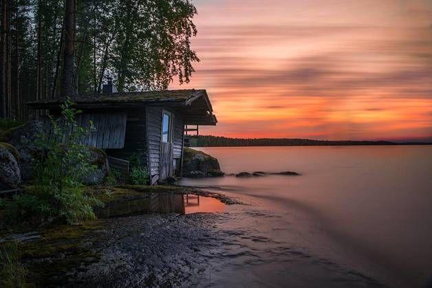 Kuva mökin vanhasta rantasaunasta. Kuva otettu Saarijärvellä kesällä 2015…