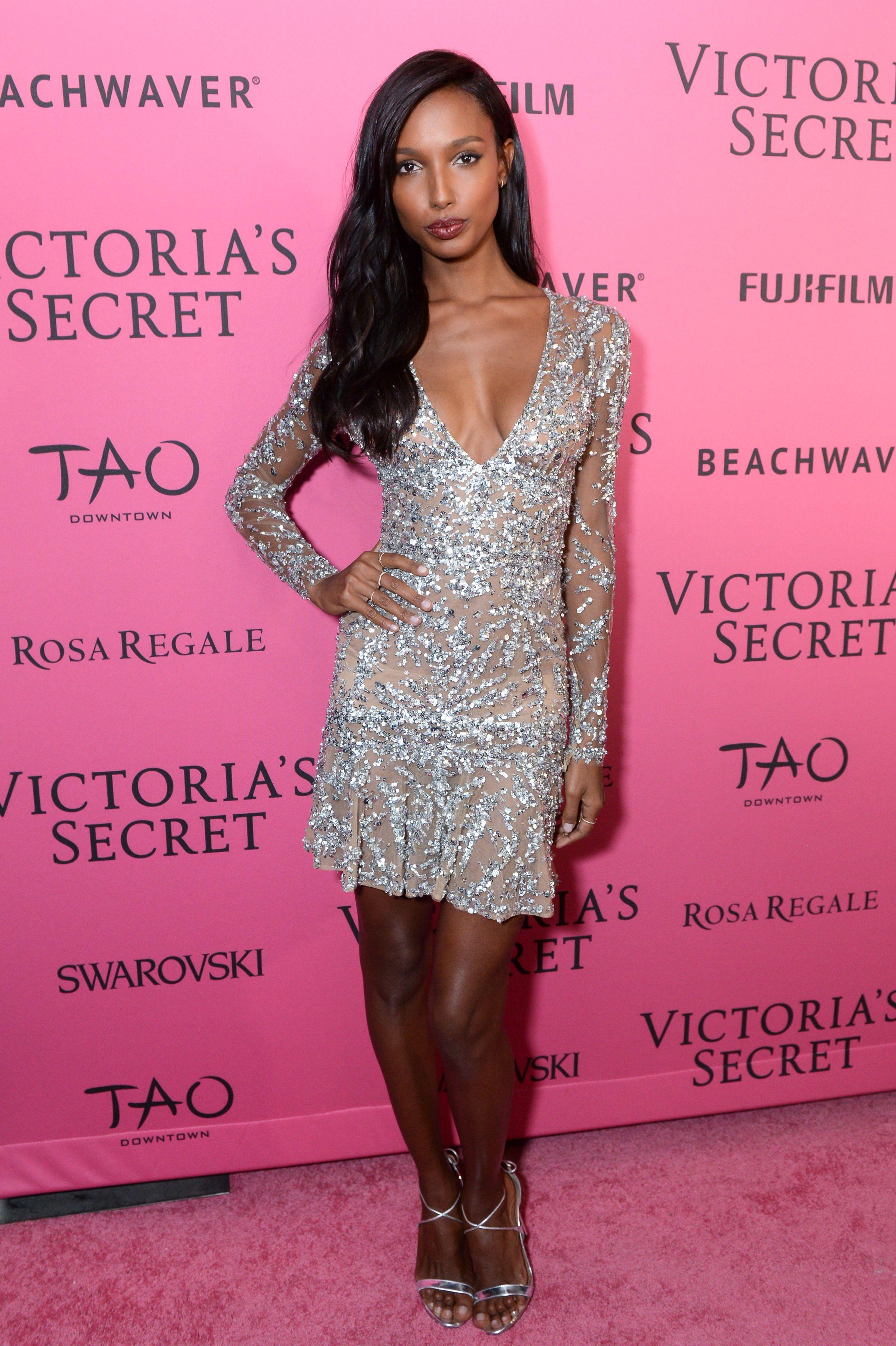 See What The Victoria S Secret Angels Wore To The After Party Victoria Secret Fashion Show Victoria Secret V Neck Cocktail Dress [ 3600 x 2396 Pixel ]