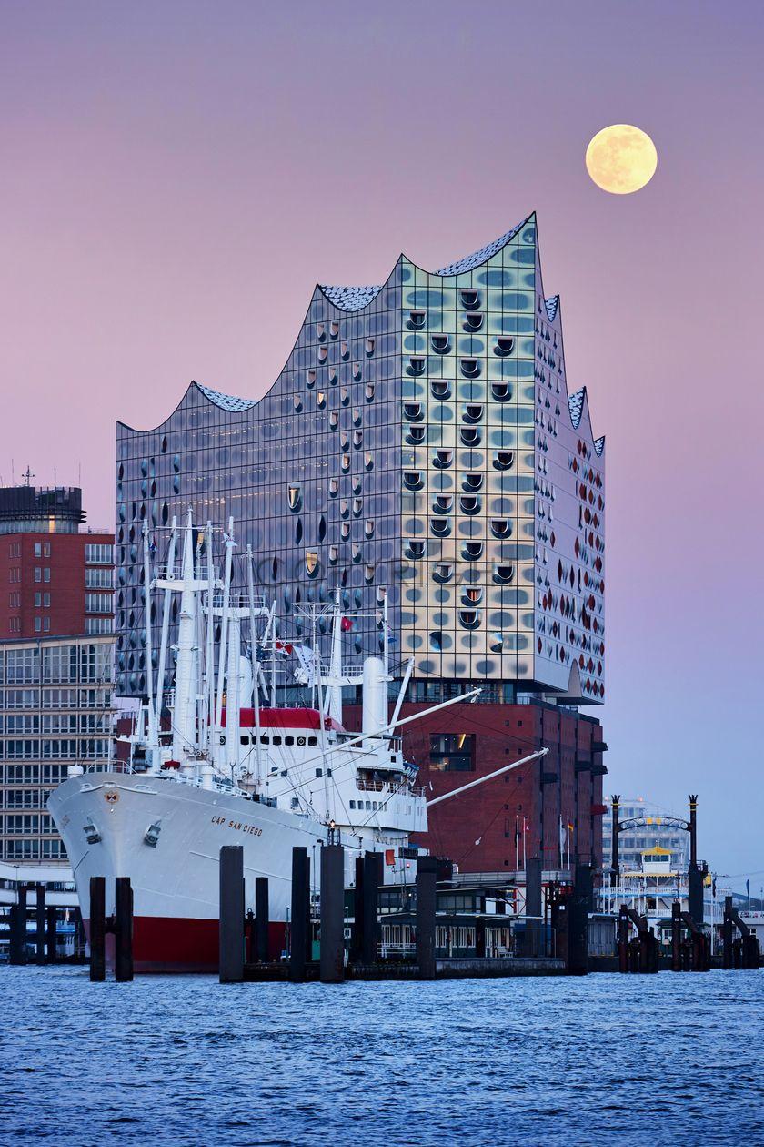 Bild Auf Leinwand Kaufen Fineartprint 11739796 Hafencity Hamburg Hafengeburtstag Hamburg Hamburg Reise