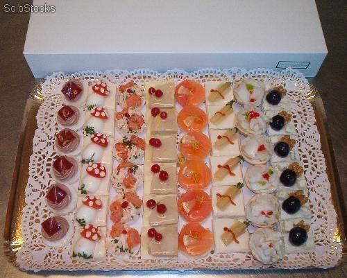 Bandeja de 48 canapes a servir frios canapes variedad - Variedad de canapes frios ...