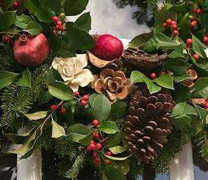 Image Search Results for christmas wreaths in colonial williamsburg