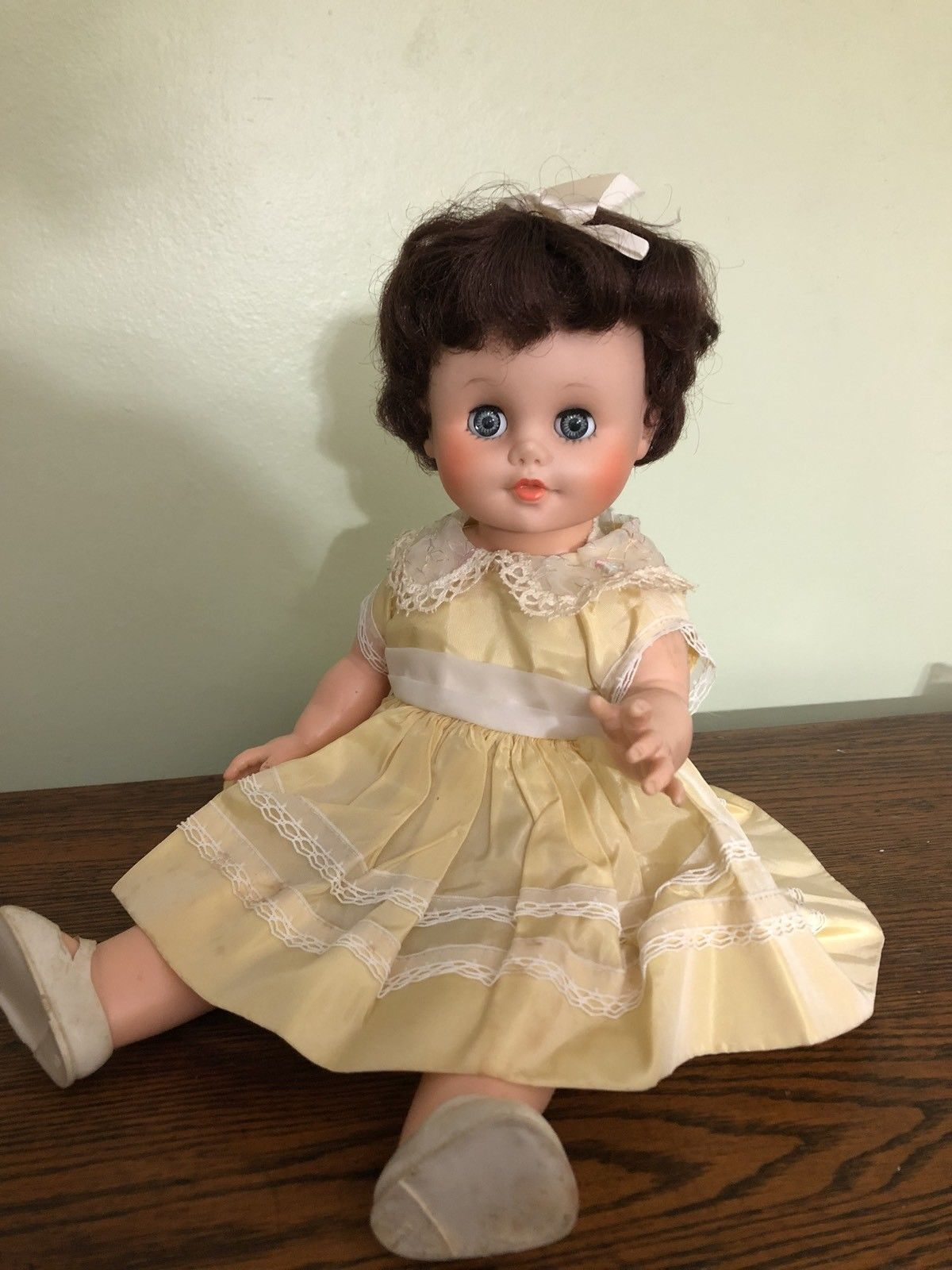 """pretty 1950s-1960's vintage 14"""" eegee baby doll drink/wet"""