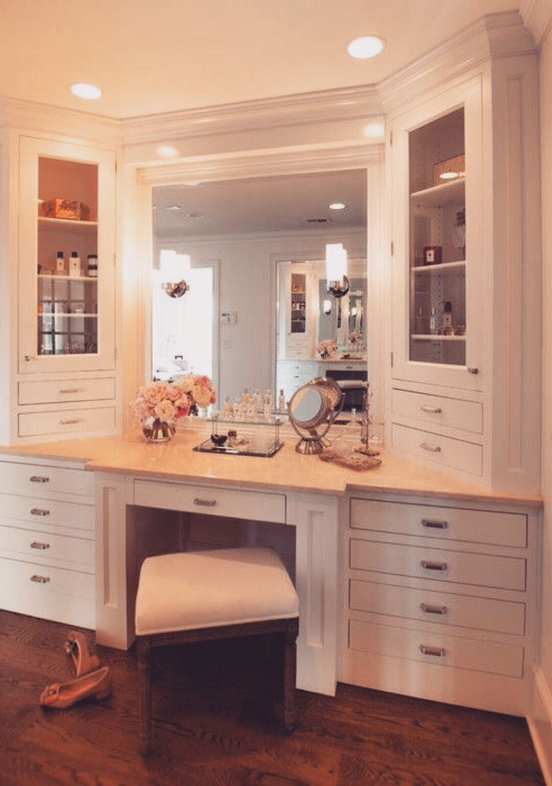 15 Incredibly Chic Ways To Decorate Your Makeup Desk Closet Makeup Desk Bathroom Home