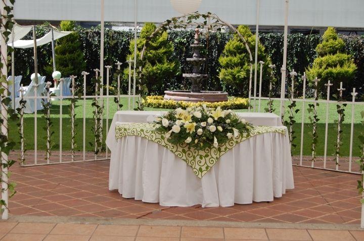 mesa de novios fresca boda Pinterest Mesa de novia, Cascadas y