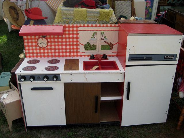 Vintage Play Kitchen By Julielion Via Flickr