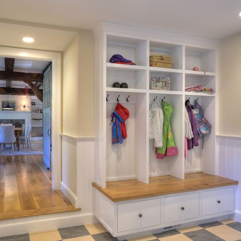 Pin By Lisa Teroller On Beach Room Mudroom Makeover Enclosed Front Porches House With Porch