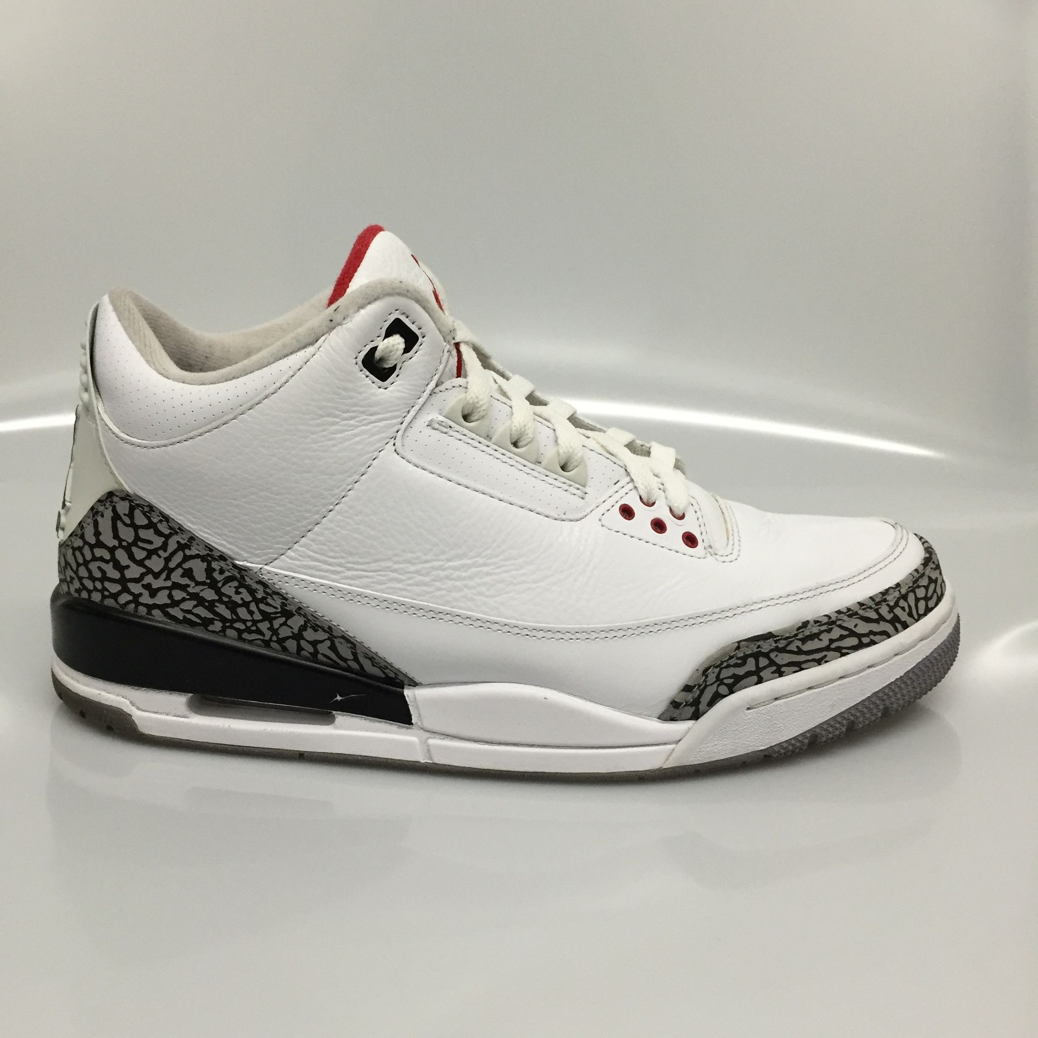 9d63b571bb07b2 ... germany air jordan 3 white cement size 11.5 pre owned d3a83 19aac