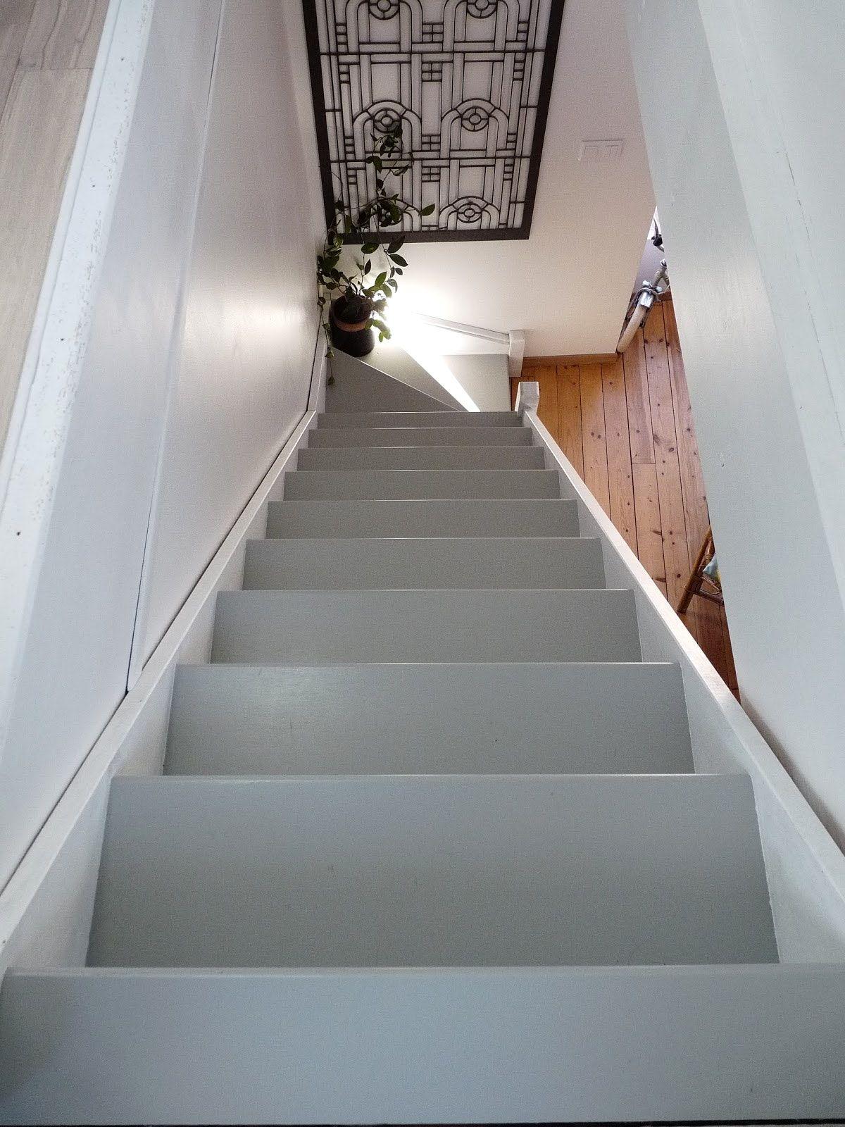Peindre Un Escalier En Gris peinture escalier v33 avec pour et on decoration d interieur