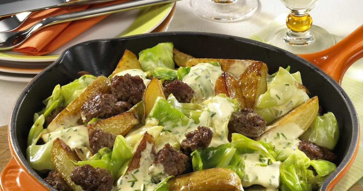 Ground Beef Cabbage And Potatoes With Hollandaise Sauce Recipe Cabbage And Potatoes Ground Beef And Cabbage Ground Beef