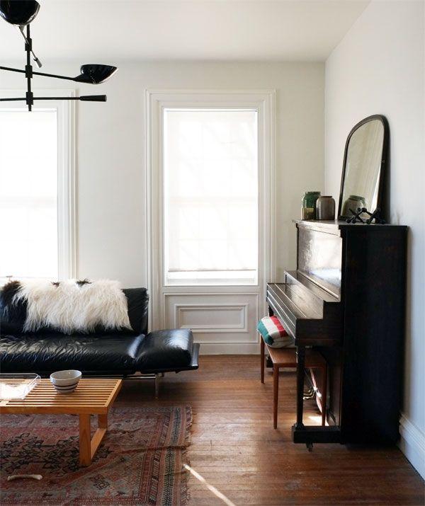 daniel from manhattan nest walls benjamin moore soft chamois flat ceilings moldings bm. Black Bedroom Furniture Sets. Home Design Ideas