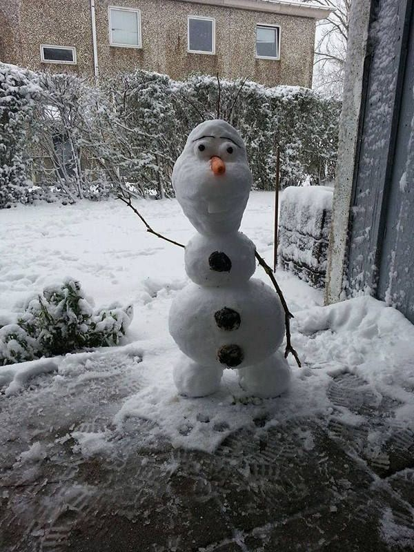 Incredible Snow Creations To Make With Your Kids Snowmen - 15 hilariously creative snowmen that will take winter to the next level 7 made my day