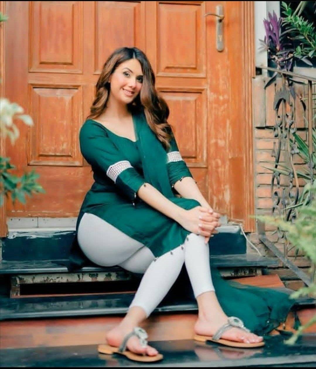 Pakistani Desi Hot Girls