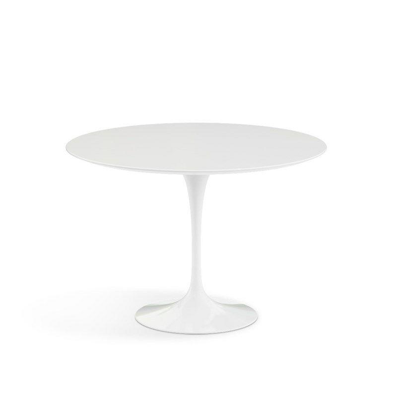 Spisebord af Eero Saarinen rundt Ø107