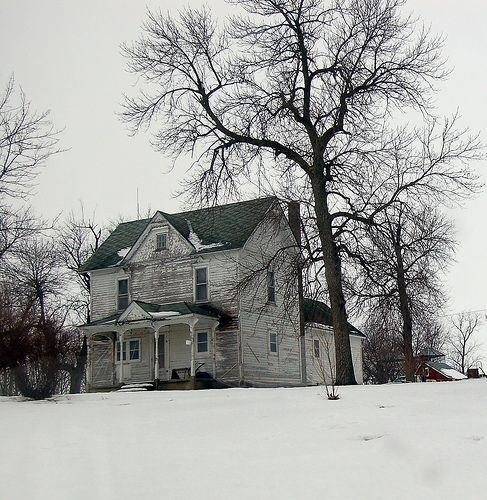 Reminds me very much of the Kansas farmhouses we lived in when I was a kid.
