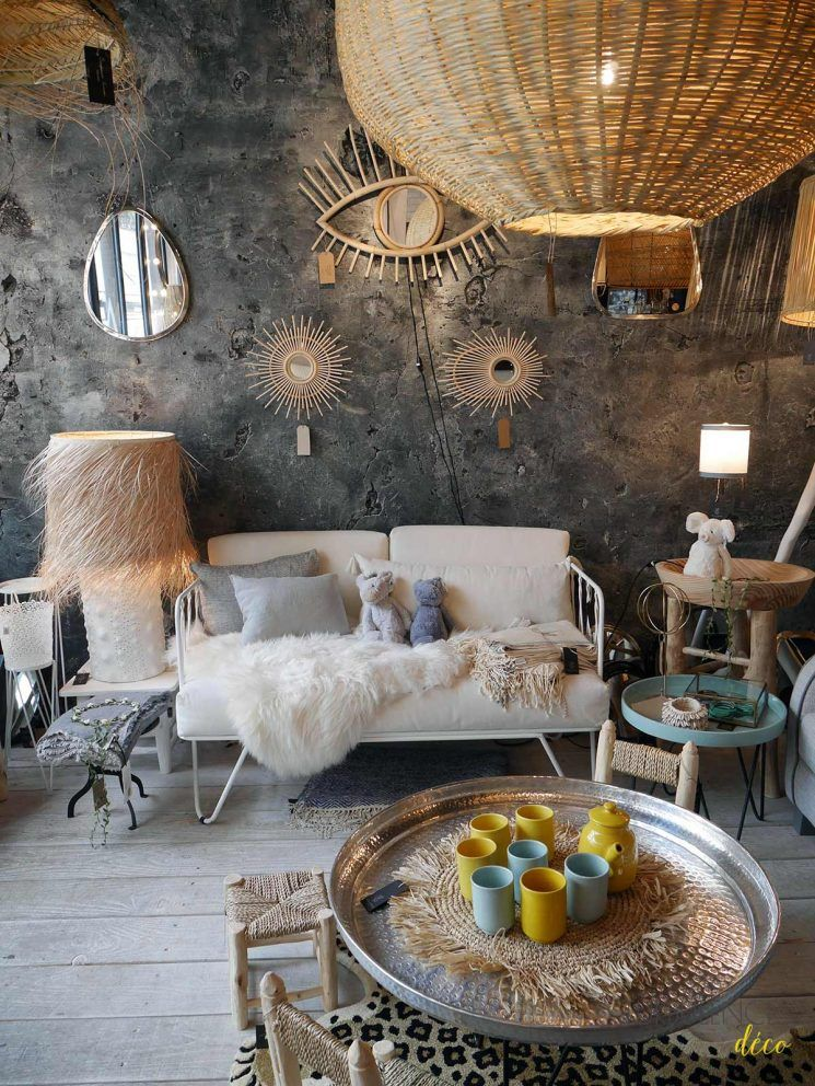 balade paris 3 boutiques d co du haut marais d co l mparas espejos et habitaciones ideales. Black Bedroom Furniture Sets. Home Design Ideas