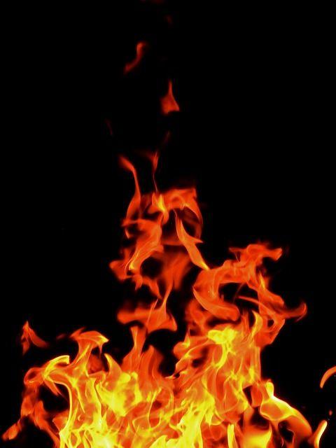 Kostenloses Bild auf Pixabay – Feuer, Flammen, Brennen, Holzfeuer