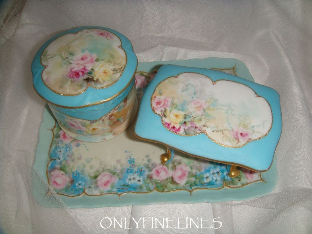 Limoges vanity tray powder jar footed trinket cache hand