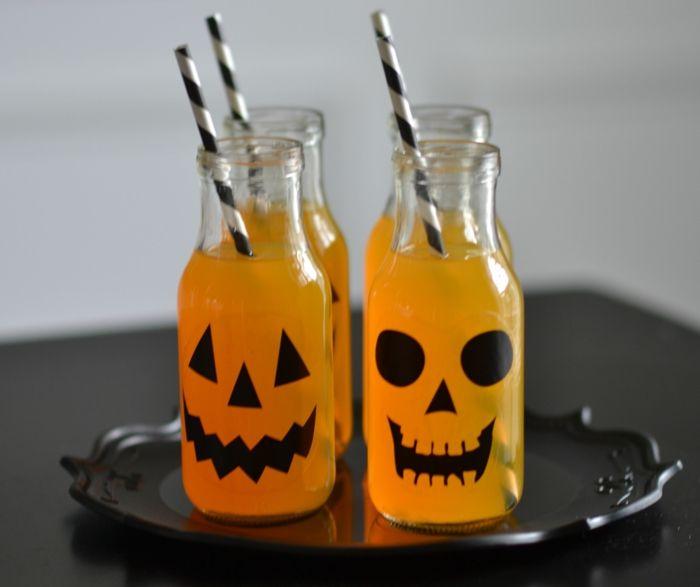 halloween deko ideen gruselparty getranke flasche dekorieren fur draussen