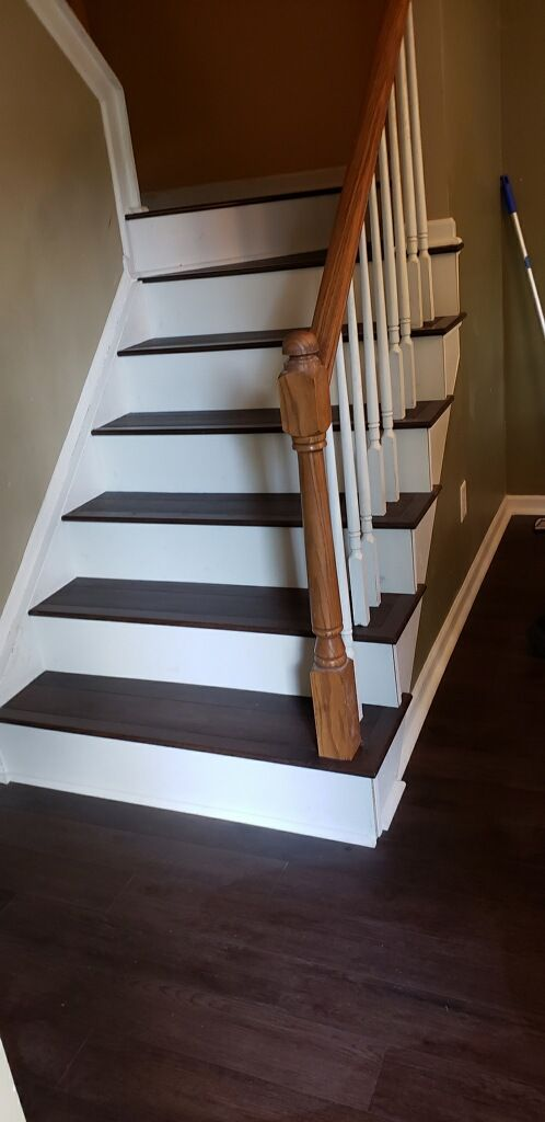 Best Hardwood Stair Tread Installation By Flowers Flooring 400 x 300