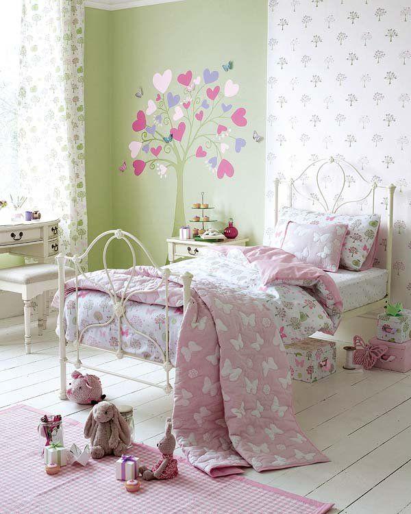 Decorar el dormitorio infantil escritorios verde y rosas for Habitaciones nina baratas