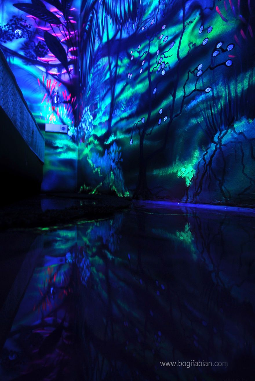 These Glowing Murals Turn Dark Rooms Into Dreamy Landscapes Part 33