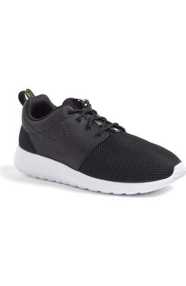 black/blue tint size Nike 'Roshe Run' Print Sneaker (Women